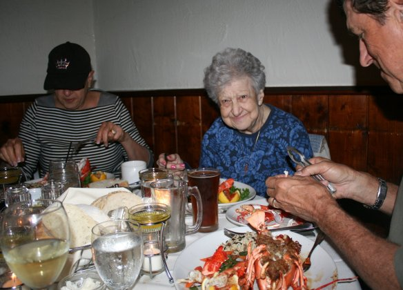 Mom was craving some real Maine lobsta' (at the Salt Cellar Restaurant)