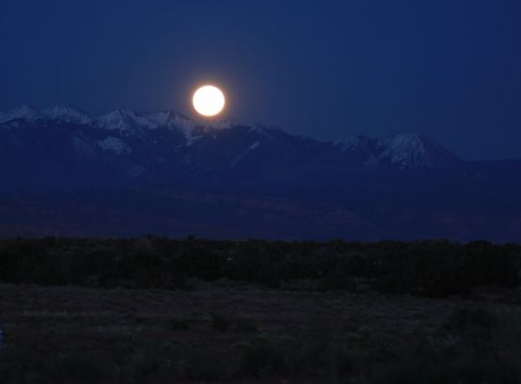 03 Full Moon in Moab
