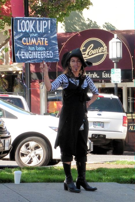 A7 2014 Sept - Ashland OR pirate protestor